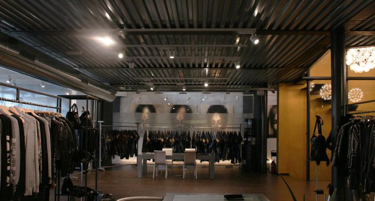 huge discount 508e7 7fe2e SARI SPAZIO - The One Milano